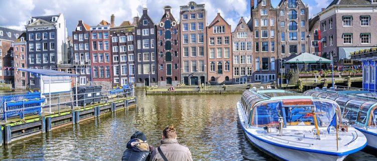 Hoe regel je een date in Amsterdam en wat kun je gaan doen?
