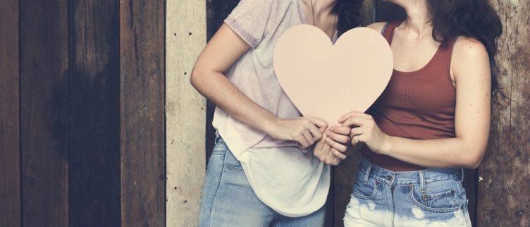 Grindr voor vrouwen: Dit zijn de beste lesbische dating apps