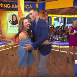 Tinderdates ontmoeten elkaar na 3 jaar voor het eerst in TV-show